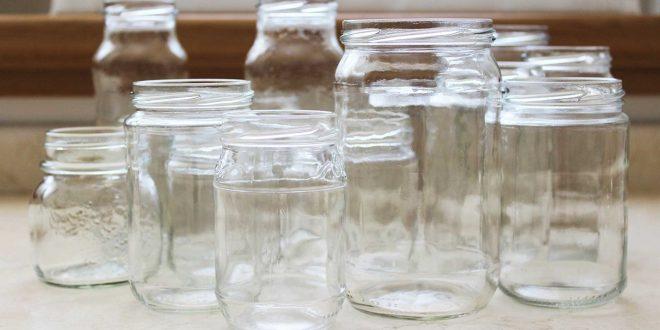 Come rimuovere in maniera semplice e naturale le etichette dai barattoli